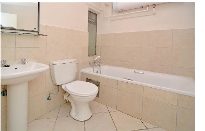 Looking for a lady or 2 to share my 2 bedroom flat with. in Soweto, Gauteng