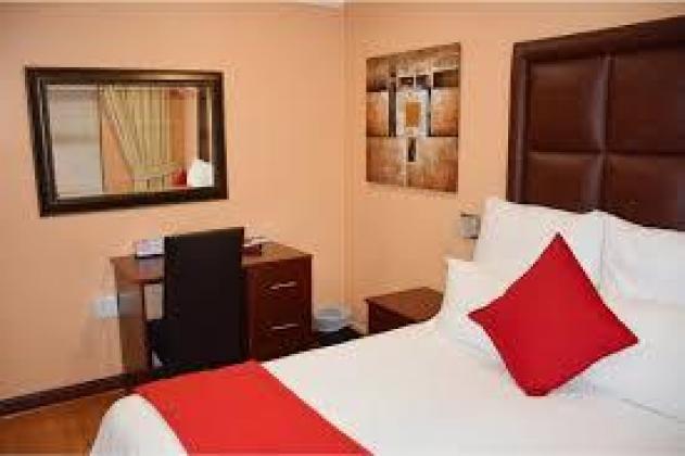 Salvador Guest House 0848103487 (R200 a night)