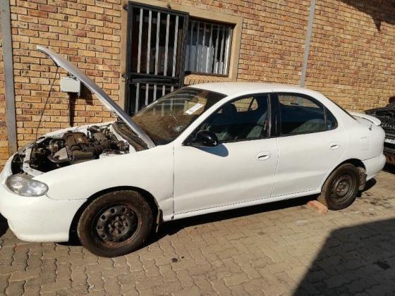HYUNDAI ELANTRA J2 '96 GLS STRIPPING FOR SPARES in Pretoria West, Gauteng