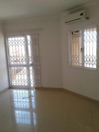 Large 170 sqm apartment in La Mercy for rent by owner