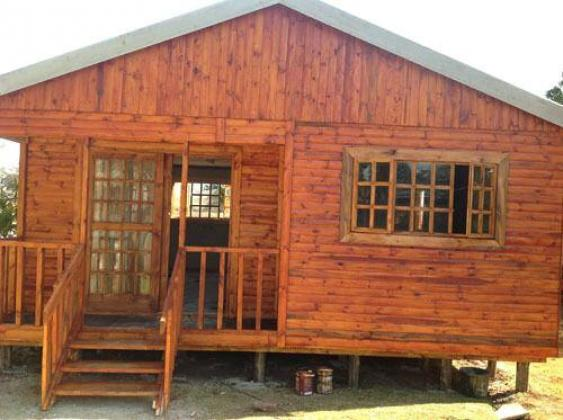 LOG HOMES AND WENDYS HOUSES FOR SALE