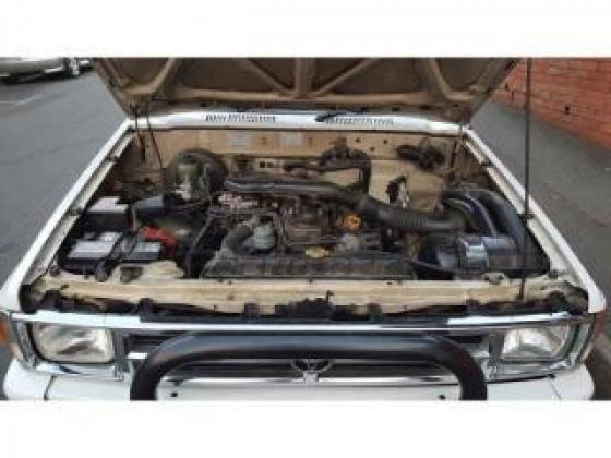 1994 Toyota Hilux 2400 SRX Raider for
