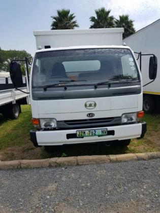 2012 Nissan UD40 Closed Body truck for sale