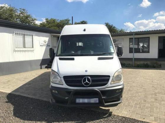 Mercedes Benz  519 23 sitter