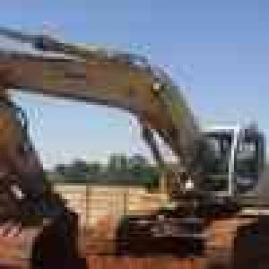 Stripping a Sumitomo SH330 Excavator for spares