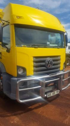 2012 VW CONSTELLATION 17-250 4x2 with Van Body
