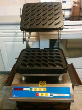 The Original Cookmatic Tart Maker (Bakery Equipment)