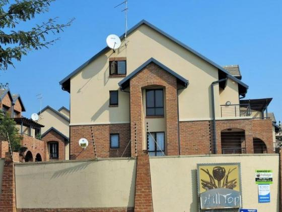 Fully Furnished Bachelor Loft Apartment To Let in Hilltop Lofts Security Complex, Carlswald Midrand