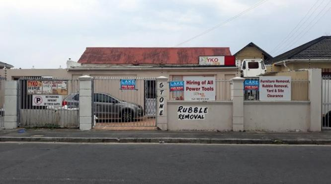 HOUSE FOR SALE ON BELGRAVIA ROAD in Cape Town, Western Cape