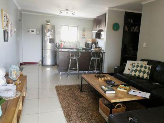 Rouken Glen apartment for rent immediately in Musgrave