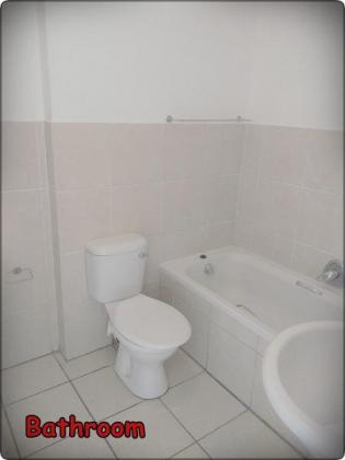 COMFORTABLE 2 BEDROOM APARTMENT in Cape Town, Western Cape