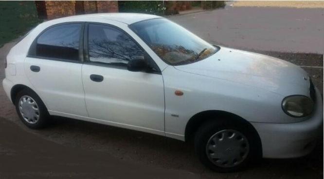 1998 Daewoo Lanos 16v Hatchback