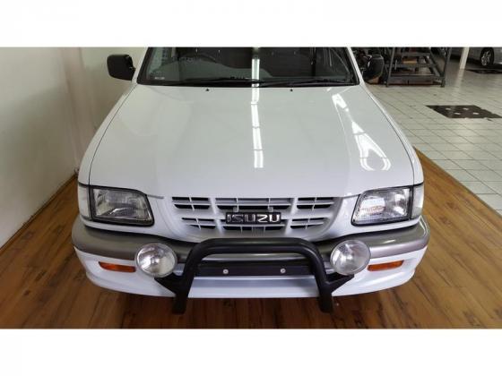 2005 Isuzu KB 350 V6 Double Cab LX