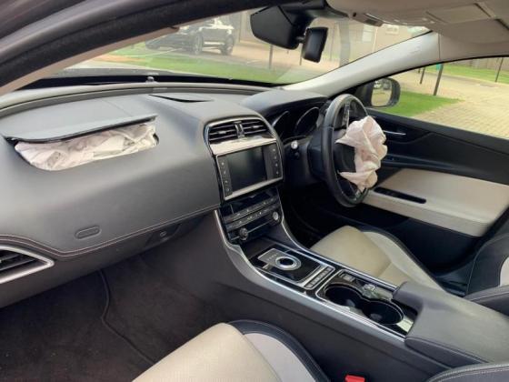 Salvage 2016 Jaguar Xe 2.0 R-Sport for sale