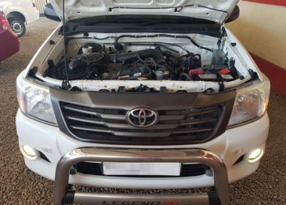 2013 Toyota-Hilux-2.0vvti