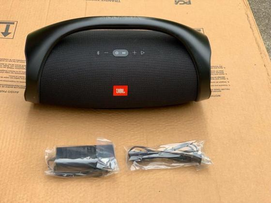 Fairly used Black JBL Boombox Portable Bluetooth Wireless Speaker in Beaufort West, Western Cape