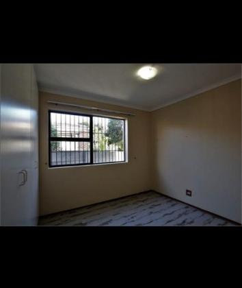 Stunning spacious 3 bedroom Sonstraal East, Durbanville house for rent