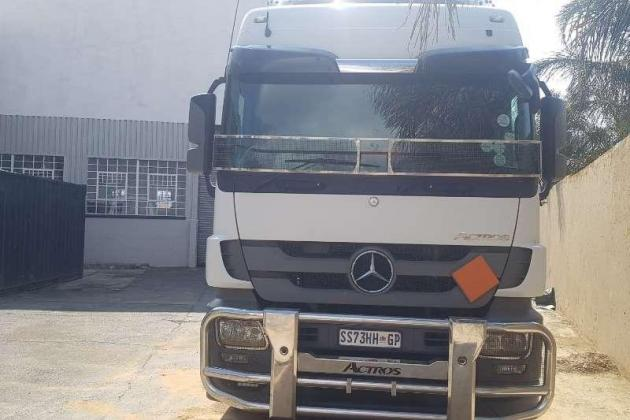2016 Mercedes-Benz--2646-Actros+2014 Diesel-tanker-tank-clinic