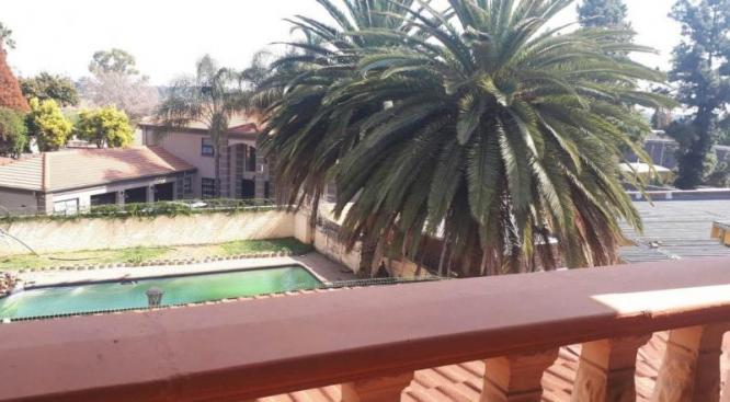 6 Bedroom mansion FOR SALE in Westdene in Boksburg, Gauteng