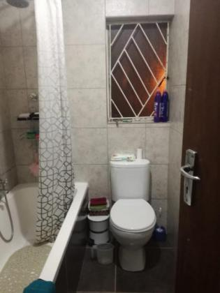 Cosy 3 BEDROOM House for rent in Rylands in Cape Town, Western Cape