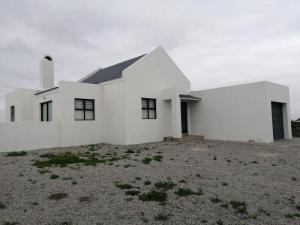 BRAND NEW HOLIDAY HOME UP FOR SALE IN VELDDRIF