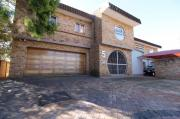 An upmarket and large family home with 3 flatlets available in Baillie Park, Potchefstroom.