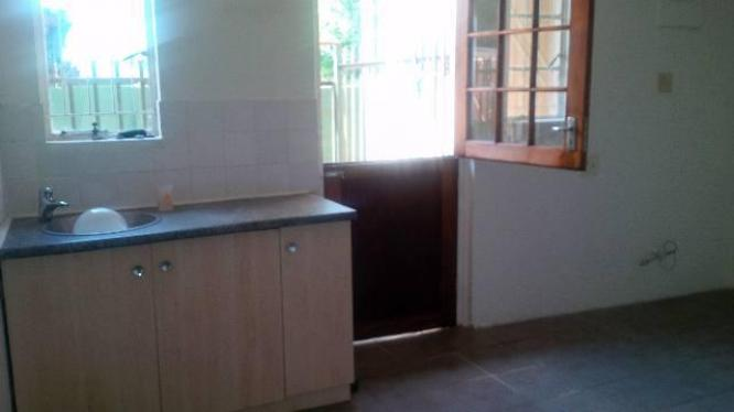 Affordable 3 Bedroom Cottage - Generaal de Wet - FOR RENT - R5000pm water included & Pre-paid electricity in Bloemfontein, Free State