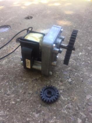 New, geared motors: 240v , 50Hz, 12rpm plus extra gear