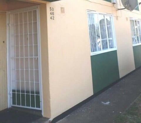 SELLER RELOCATING THUS PRICE  NEGOTIABLE  R595 000  TO URGENT SALE in Phoenix, KwaZulu-Natal