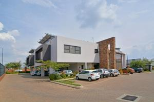 A GRADE OFFICE SPACE TO LET