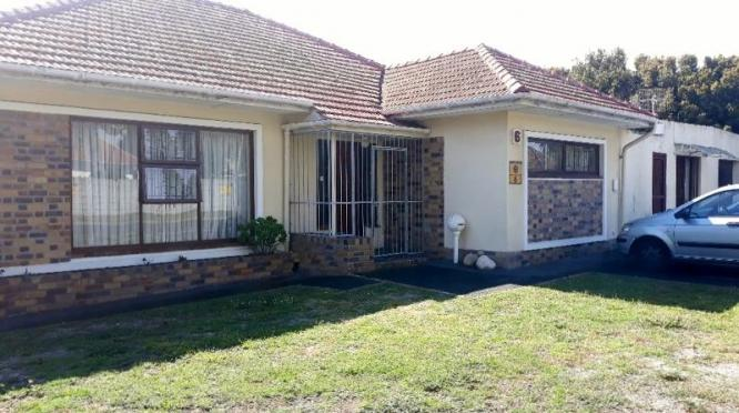 3 large bedrooms  large lounge  fully fitted kitchen  bathroom and toilet  double garage  fully enclosed  call 0836247129 in Cape Town, Western Cape