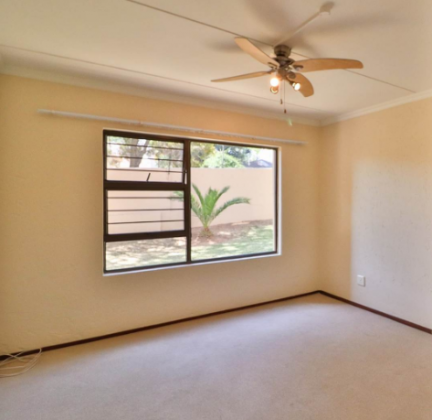 Beautiful Town House for Sale in Sunninghill in Sunninghill, Gauteng