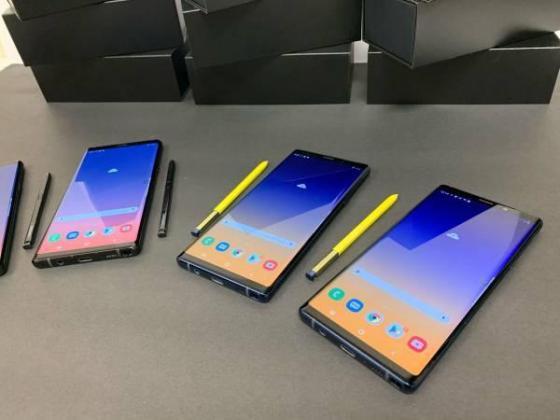 Samsung Note 9 Midnight Black and Ocean Blue