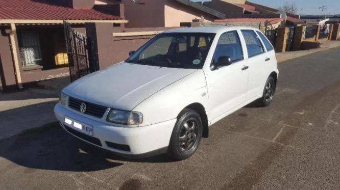 VW Polo Playa Hatchback