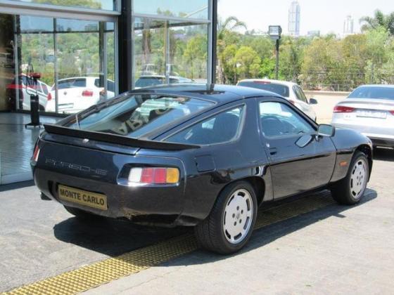 1982 PORSCHE 928 AUTO