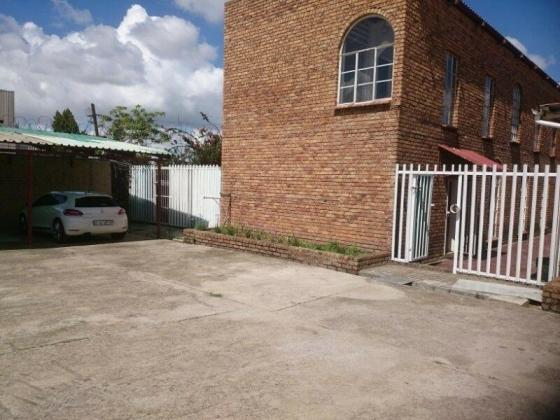 Offices to rent 5 Spekvreter Rd Birch Acres Kempton Park in Birch Acres, Gauteng