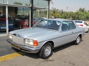 1983 MERCEDES-BENZ E-CLASS 230E W123