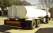 Nissan UD 440. 18000l Water truck ( water tanker)