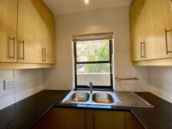 Refurbished 2 bedroom/2 bathroom unit to let in The Cliffs Tyger