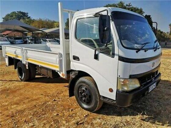 Toyota Dyna 8-145 2003 White (Open Deck|Drop Sides) in Kuils River, Western Cape