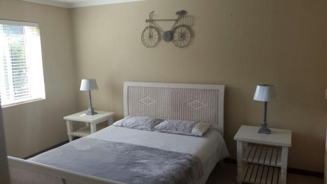 Beautiful 3 bedroom, 2 bathroom apartment