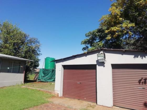 Beautiful set 14 hectare farm in Erasmia for sale in Pretoria, Gauteng