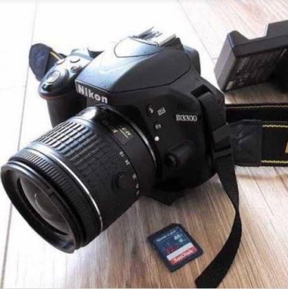 24.2 MP Nikon D3300 body with Nikon 18-55 AF-P Lens in Cape Town, Western Cape