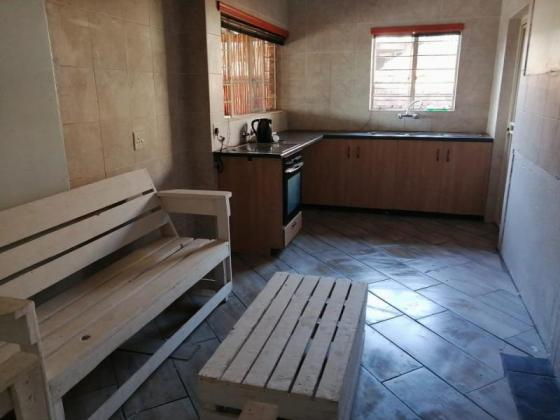2 Bedrooms Cottage and 2 Bachelors to rent in Norkem Park