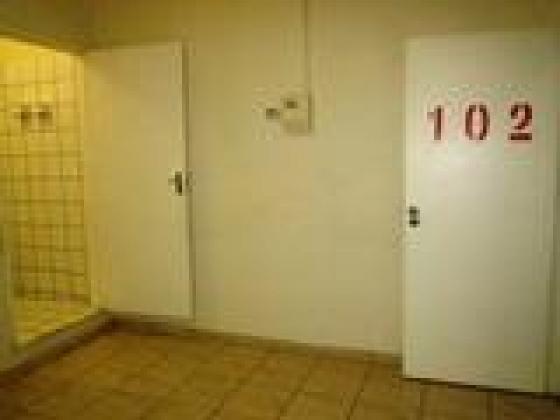 Unit 102 - Affordable en-suite flat on special. in Johannesburg, Gauteng