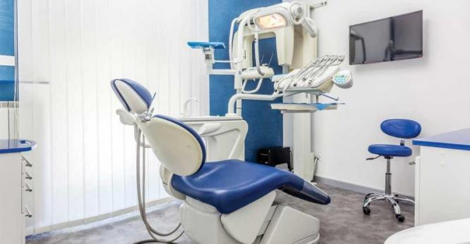 House to Let - as Doctors and Dentist Office in Kuils River, Western Cape