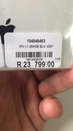 Iphone 11 256gb black brand new in Cape Town, Western Cape