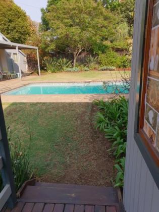 3 offices to rent in upmarket fourways within garden setting by the pool. in Fourways, Gauteng