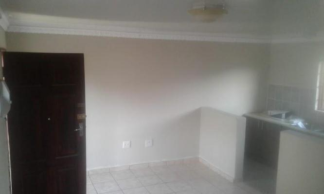 BAPONG BACHELOR ROOMS FOR RENTAL in Brits, North West