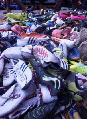 Sneaker (Tekkie) Shoe bales